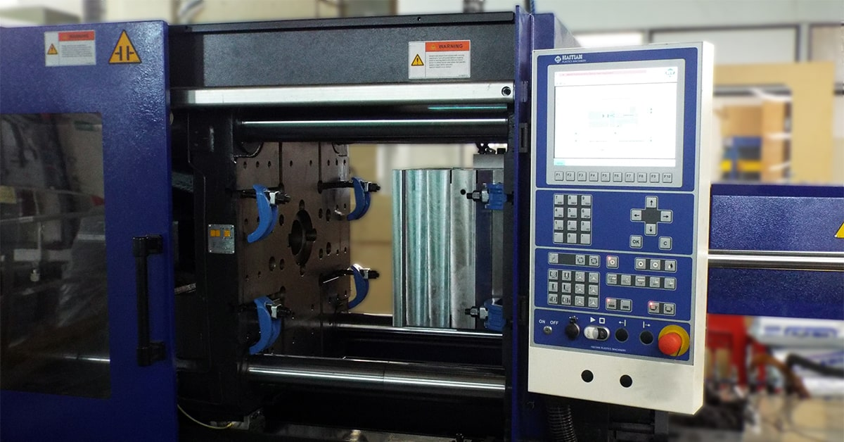 Injection Moulding Machine for Plastic fabrication and manufacturing